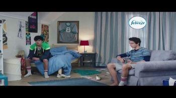 Febreze Unstoppables TV Spot, 'Nose Blind: Bedroom' - Thumbnail 1