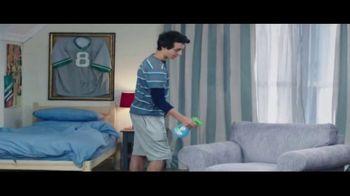 Febreze Unstoppables TV Spot, 'Nose Blind: Bedroom' - Thumbnail 5