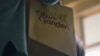 Olive Garden Catering Delivery TV Spot, 'Just a Fork' - Thumbnail 5