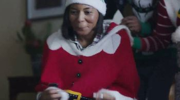 TJX Companies TV Spot, 'Deck the Halls' - Thumbnail 7
