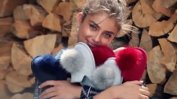 Victoria's Secret Pajama Set TV Spot, 'Free Slippers' - Thumbnail 6