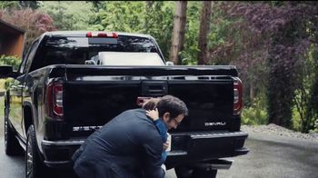 2017 GMC Sierra 1500 TV Spot, 'Dad Like a Pro' Song by Barry Louis Polisar [T2] - Thumbnail 5