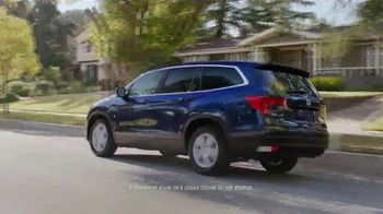 2017 Honda Pilot TV Spot, 'Birthday Cake' [T2] - Thumbnail 3