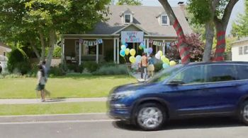 2017 Honda Pilot TV Spot, 'Birthday Cake' [T2] - Thumbnail 6