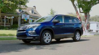 2017 Honda Pilot TV Spot, 'Birthday Cake' [T2] - Thumbnail 8