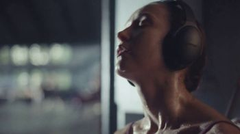 Bose QuietComfort 35 II TV Spot, 'Bliss' - Thumbnail 4