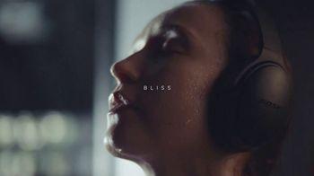 Bose QuietComfort 35 II TV Spot, 'Bliss' - Thumbnail 6