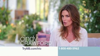 Meaningful Beauty Ultra TV Spot, 'Collaboration' Featuring Cindy Crawford - Thumbnail 3