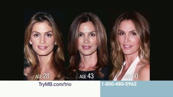 Meaningful Beauty Ultra TV Spot, 'Collaboration' Featuring Cindy Crawford - Thumbnail 5
