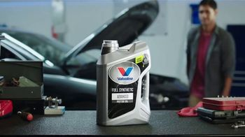 Valvoline Full Synthetic Advanced Motor Oil TV Spot, 'Easy Pour' - Thumbnail 4
