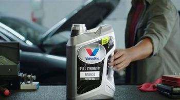 Valvoline Full Synthetic Advanced Motor Oil TV Spot, 'Easy Pour' - Thumbnail 5