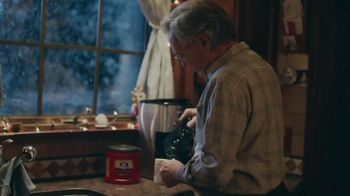 Folgers TV Spot, 'Dad Mug' - Thumbnail 6
