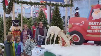 Lowe's TV Spot, 'Snowman: Inflatable Snoopy' - Thumbnail 4