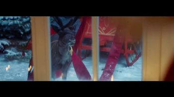 Coca-Cola TV Spot, 'A Coke for Christmas' - Thumbnail 10
