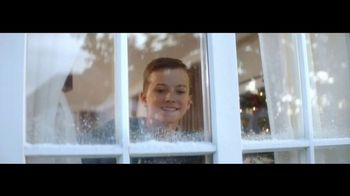 Coca-Cola TV Spot, 'A Coke for Christmas' - Thumbnail 2