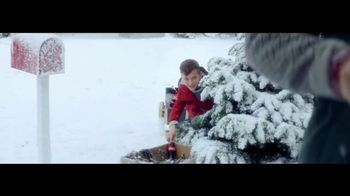 Coca-Cola TV Spot, 'A Coke for Christmas' - Thumbnail 3