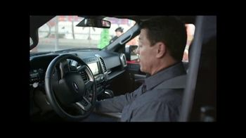 Ford El Evento de Fin de Año TV Spot, 'Bajo control' [Spanish] - Thumbnail 2