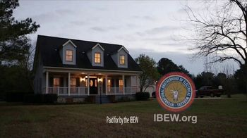 IBEW TV Spot, 'Storms' - Thumbnail 9