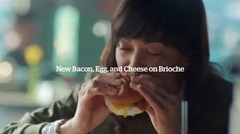 Panera Bread Bacon, Egg and Cheese on Brioche TV Spot, 'Microwaved' - Thumbnail 9