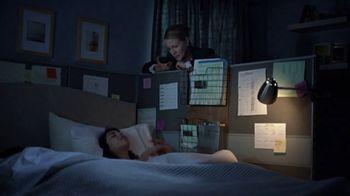 Vicks ZzzQuil TV Spot, 'Quédate dormido rápido' [Spanish] - Thumbnail 4