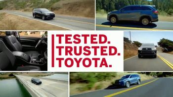 2017 Toyota Highlander TV Spot, 'Can't Put a Price on Safety' [T1] - Thumbnail 9
