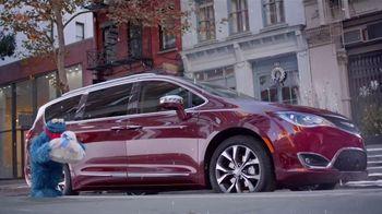 Chrysler Black Friday Sales Event TV Spot, 'Sesame Street: Smart Cookie' [T2] - Thumbnail 1