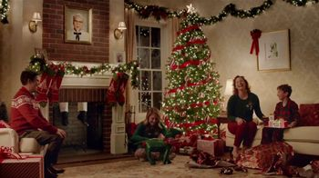 KFC $5 Fill Ups TV Spot, 'Gifts' Featuring Norm Macdonald - Thumbnail 5