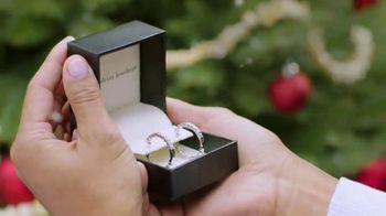 Fred Meyer Jewelers Buy More Save More Sale TV Spot, 'Create Holiday Joy' - Thumbnail 5