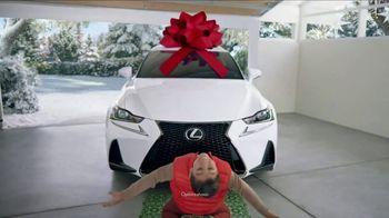Lexus December to Remember Sales Event TV Spot, 'Dancer' [T2] - Thumbnail 3