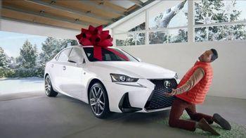 Lexus December to Remember Sales Event TV Spot, 'Dancer' [T2] - Thumbnail 4