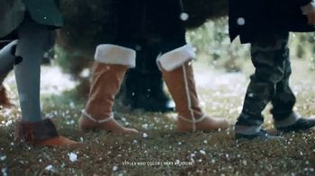 Payless Shoe Source TV Spot, 'Holiday Family Footwear' - Thumbnail 4