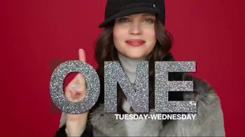 Macy's One Day Sale TV Spot, 'Deals of the Day: Fine Jewelry' - Thumbnail 2