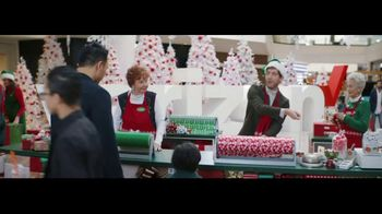 Verizon TV Spot, 'Wrapping Paper: Pixel 2' Ft. Thomas Middleditch - Thumbnail 5