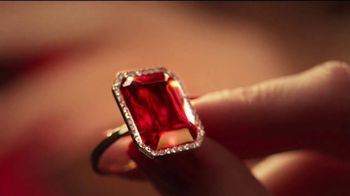 Michael Kors Sexy Ruby TV Spot, 'Give the Gift of Ruby' Song by Chromatics - Thumbnail 3
