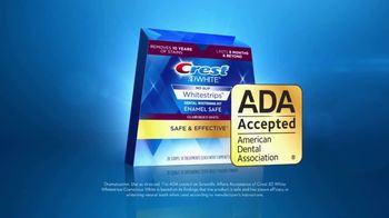 Crest 3D White Whitestrips TV Spot, 'Step Up Your Whitening Routine' - Thumbnail 7