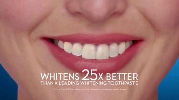 Crest 3D White Whitestrips TV Spot, 'Step Up Your Whitening Routine' - Thumbnail 8