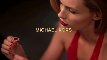 Michael Kors Sexy Ruby Fragrances TV Spot, \'Set de fiestas\' [Spanish]