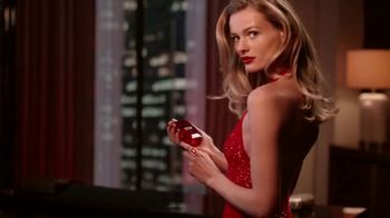 Michael Kors Sexy Ruby Fragrances TV Spot, 'Set de fiestas' [Spanish] - Thumbnail 6