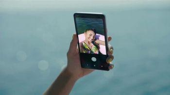 Google Pixel 2 TV Spot, 'Pide más de tu teléfono' [Spanish] - 333 commercial airings