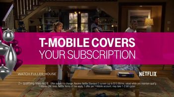 T-Mobile TV Spot, 'Holiday TWOgether: Amazing' - Thumbnail 4