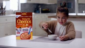 General Mills TV Spot, 'Star Wars Color-Changing Spoons' - Thumbnail 1