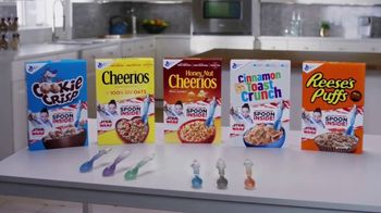 General Mills TV Spot, 'Star Wars Color-Changing Spoons' - Thumbnail 7