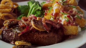 Applebee's TV Spot, 'Wonderful Friends' Song by Andy Williams - Thumbnail 5