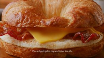 Dunkin' Donuts Sweet Black Pepper Bacon Sandwich TV Spot, 'It's Back' - Thumbnail 5