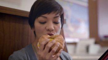 Dunkin' Donuts Sweet Black Pepper Bacon Sandwich TV Spot, 'It's Back' - Thumbnail 6
