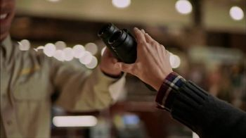 Cabela's Christmas Sale TV Spot, 'Slippers, Logo Wear and Binoculars'