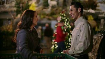 Cabela's Christmas Sale TV Spot, 'Slippers, Logo Wear and Binoculars' - Thumbnail 4