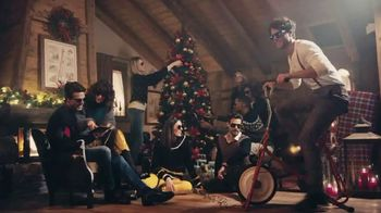 Sunglass Hut TV Spot, 'Give the Gift of Style'