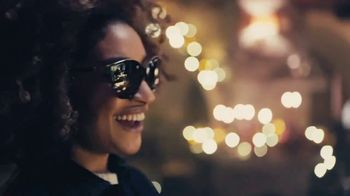 Sunglass Hut TV Spot, 'Give the Gift of Style' - Thumbnail 4