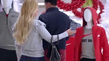 JCPenney TV Spot, 'El reto: Caroline y Alejandro' canción de Sia [Spanish] - Thumbnail 3